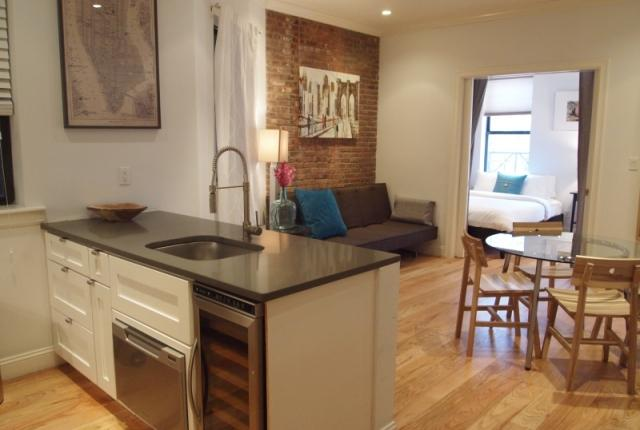 Soho 3BR/2BA - Amazing neighborhood.  Everything is just outside your door! photo 53581